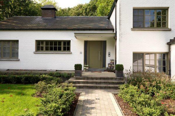 Houten ramen en voordeur