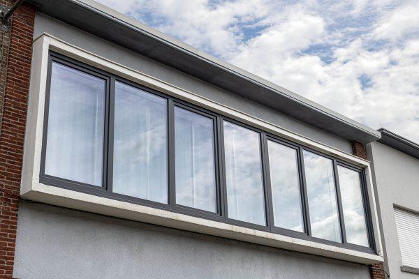 PVC raamgeheel gekoppeld