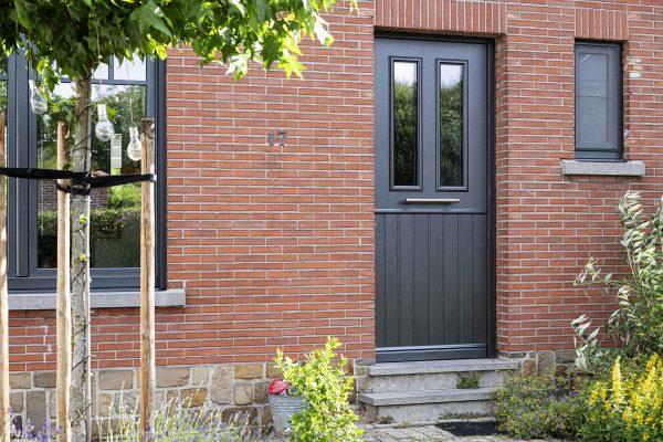 Voordeur-vleugeloverdekken-PVC-min